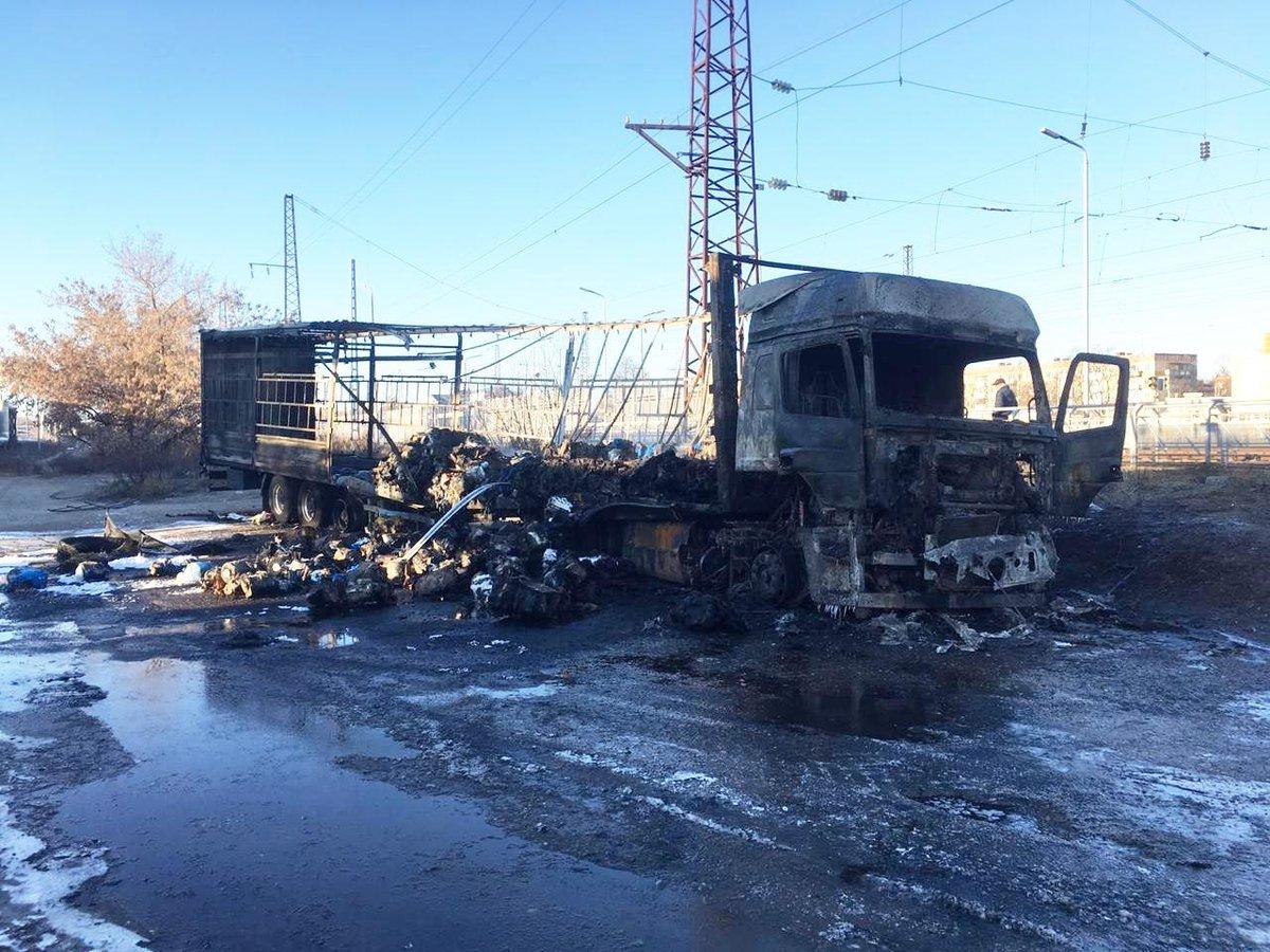 Тяжелые ожоги получил водитель «Камаза» в аварии в Дзержинске - фото 1